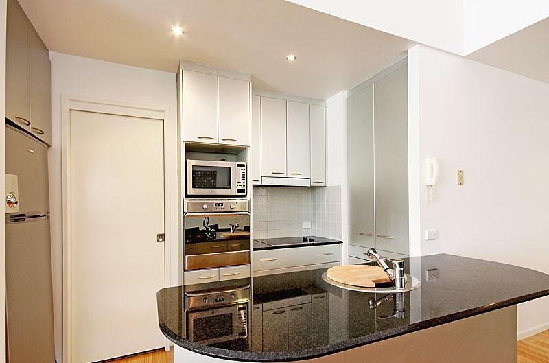 AMAZING LOCATION - 2 Bedroom Apartment