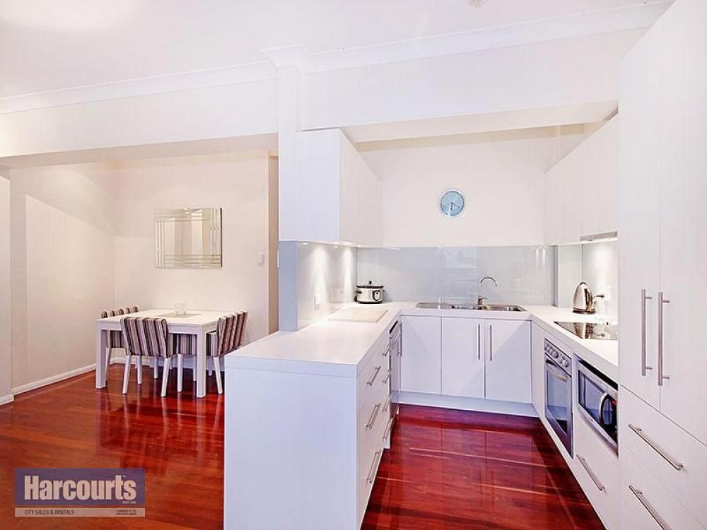 Sold by andrew turvey spring hill id 939 for 67 st pauls terrace spring hill