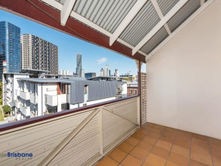 View profile: Strolling distance to Fortitude Valley !