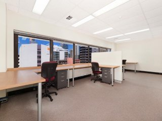 View profile: 58M2 OFFICE IN THE ASTOR CENTRE Smart attractive building