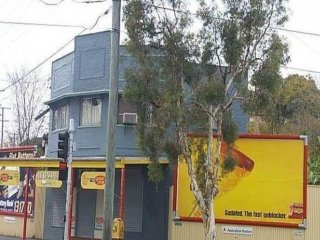 View profile: GREAT LOCATION OPPOSITE BOWEN HILLS STATION INDIVIDUAL ROOMS