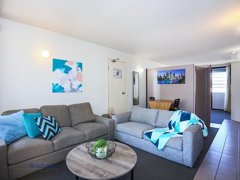 Fully Furnished - 1 Bedroom Apartment