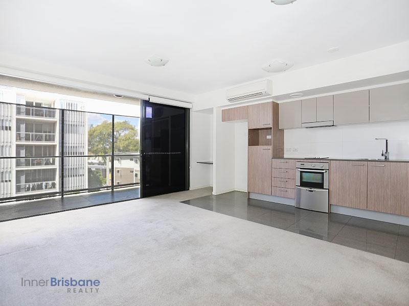 Stylish and Spacious Apartment in Kelvin Grove - Unfurnished
