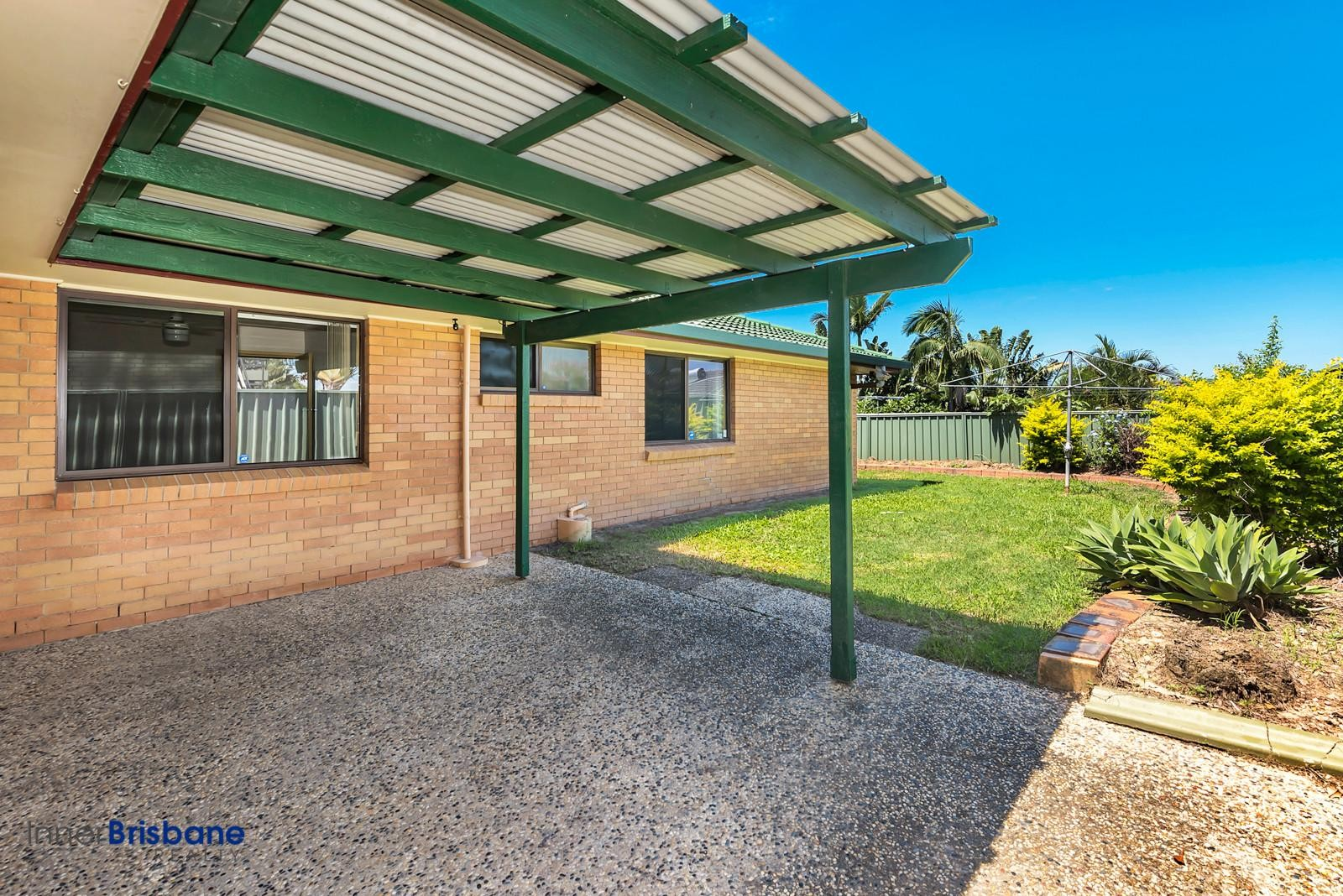 Pet Friendly 4 Bedroom Home With Air Con