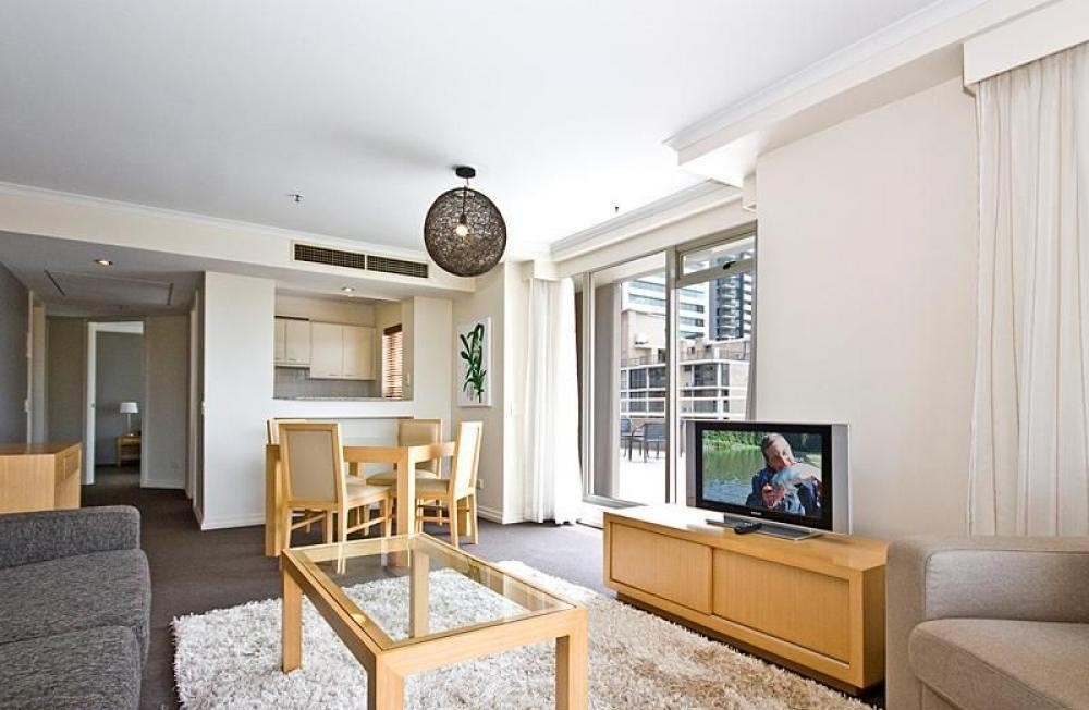 Quay West - Resort Style - Fully Furnished Apartment