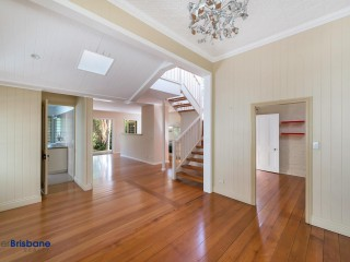 View profile: Unique 4 bedroom with Fully self-contained One Bedroom Granny Flat - PET FRIENDLY