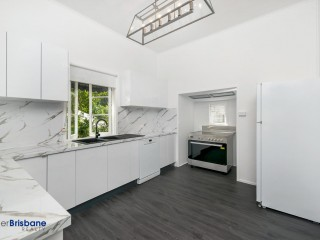 View profile: Perfection Plus… Renovated 3 bedroom Home !
